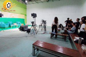 livestream-talk-show-dich-vu-chuyen-nghiep